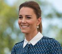 В платье-халате: Кейт Миддлтон показала красивый летний образ