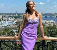Катя Осадчая отправилась в Одессу: удивительное фото на фоне моря