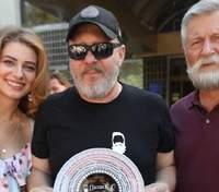 """Дар'я Петрожицька показала яскраві фото зі зйомок 2 сезону """"Папіка"""""""