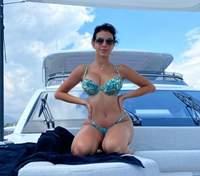 Возлюбленная Криштиану Роналду засветила пышную грудь в облегающем топе: горячее фото