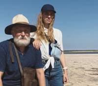 """Ще більше сонця і моря: у мережі опублікували нові кадри з серіалу """"Папік 2"""""""