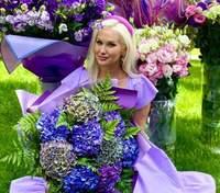 В лавандовом платье и с салом на праздничном столе: как Екатерина Бужинская отметила 41-летие