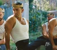 В ніжних обіймах у саду: співак Рікі Мартін знявся у романтичній фотосесії з коханим