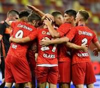 Сумасшедший матч Лиги Европы: 12 голов, вратарь-дебютант и камбэк вдевятером – видео