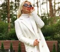 У білому пальті та сукні: Лілія Ребрик продемонструвала бездоганний осінній образ – фото
