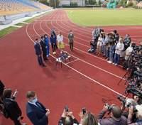 Зеленський відвідав реконструйований стадіон в Івано-Франківську: фото