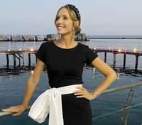 На тлі безмежного моря: Катя Осадча показала захід сонця – чарівні кадри
