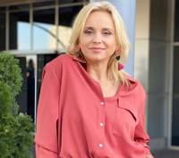 У бірюзовому костюмі: Лілія Ребрик підкорила красивим образом – фото