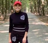 В черном спортивном костюме: Ирина Федишин показала вариант образа для утренней зарядки