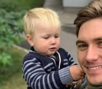 Володимир Остапчук розсмішив мережу світлинами з маленьким сином