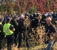 В Киеве возле Олимпийского колледжа произошла стычка спортсменов с полицией: есть пострадавшие