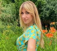 В ковбойском костюме: Леся Никитюк показала забавную фотографию с подругами