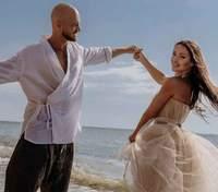 Боявся одруження: Влад Яма розповів, як освідчився коханій і чому не наважувався йти під вінець