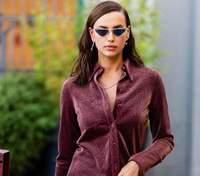 В стильном костюме: Ирина Шейк продемонстрировала безупречный образ на улицах Милана – фото