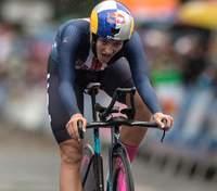 Чемпионка мира сорвалась в обрыв во время велогонки – она была лидером гонки: видео
