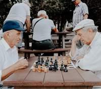Пожилые люди начали медленнее стареть