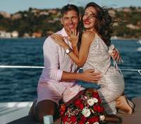 Извините, свадьбы не будет: Владимир Остапчук отложил бракосочетание с Кристиной Горняк