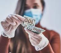 Грязные деньги: какие бактерии живут на поверхности банкнот и чем это опасно