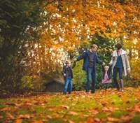 Осінні фотосесії для сім'ї: чудові ідеї для зйомки