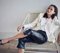 Для французского Elle: Алисия Викандер снялась в образах от Louis Vuitton – фото