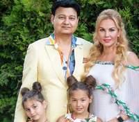 Певица Камалия поборола коронавирус, муж до сих пор болеет
