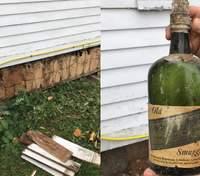 Пара знайшла загадкову схованку під час ремонту старого будинку: фото та відео