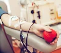 Безпечна кров та рівний до неї доступ: Зеленський підписав закон про донорство