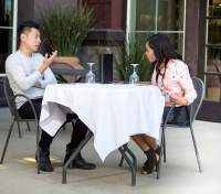 Дівчина привела на побачення наосліп 23 людини: яка неочікувана причина такого вчинку