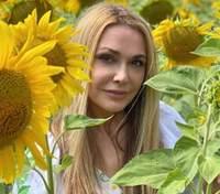 Ольга Сумська підкорила елегантним образом у довгій сукні: фото