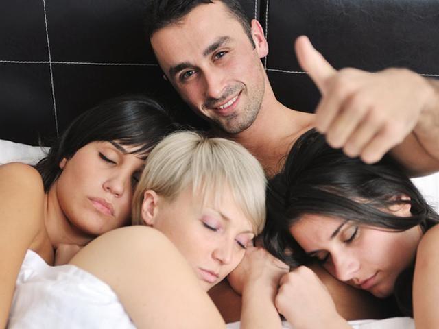 seks-russkoy-muzh-i-zhena-smotret-porno-nemetskie-vzroslie-lesbi-i-ih-molodie-rabini