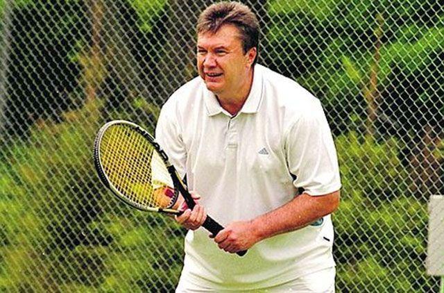 Картинки по запросу віктор янукович грає в теніс