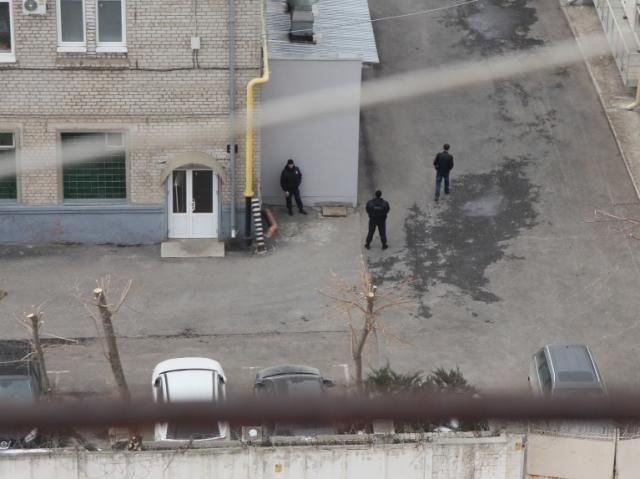 В российском Липецке полиция заблокировала вход на фабрику Roshen [Фото]