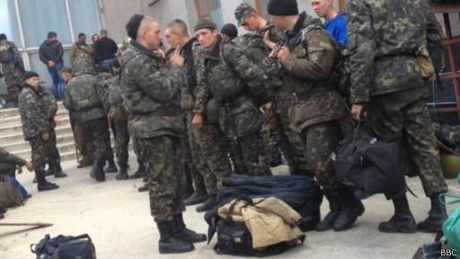 Украинские военные покидают Славянск, — СМИ [Фото]