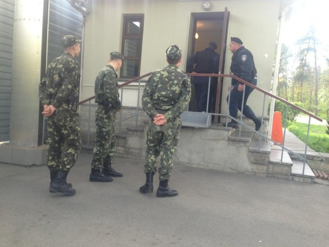 В Конча-Заспе охранники госдач три часа запугивали журналистов