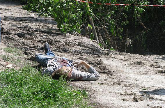 На Луганщине неизвестные обстреляли авто: водитель погиб, трое ранены [Фото]