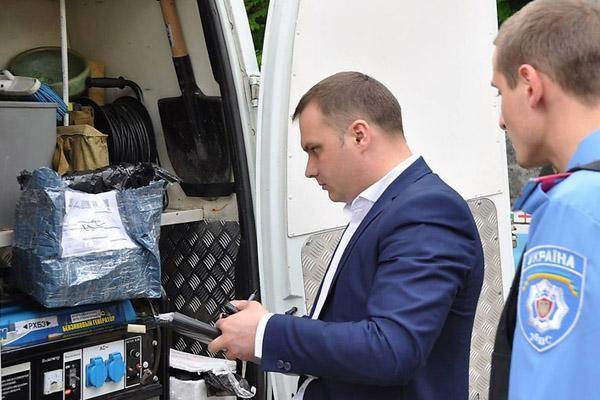 И.о. мэра Николаева прислали посылкой голову собаки [Фото]