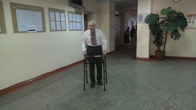 Фото дня: Украинцы даже пожилого возраста пришли на выборы
