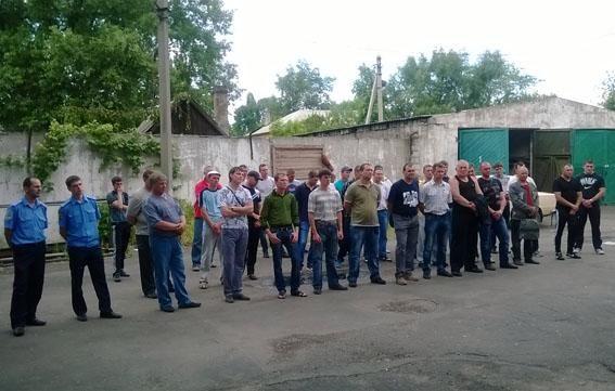 В Донецке шахтеры помогают милиционерам охранять общественный порядок [Фото]