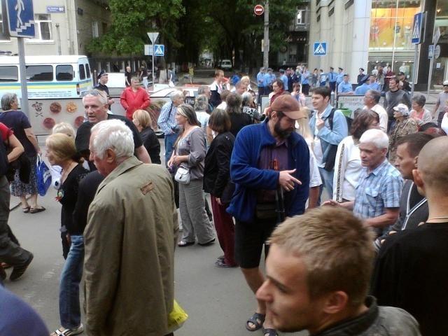 В Харькове состоялся малочисленный сепаратистский митинг [Фото. Видео]