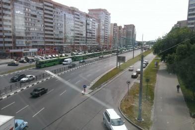 В Харькове для встречи Кернеса свозят бюджетников [Фото]