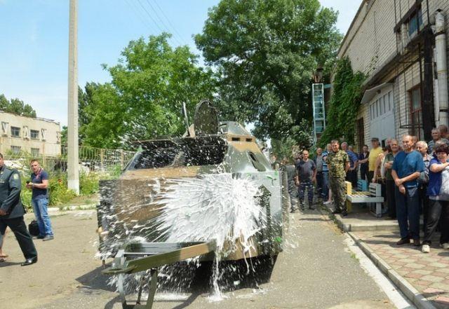 Николаевский бронетанковый завод передал пограничникам передвижной блокпост [Фото]