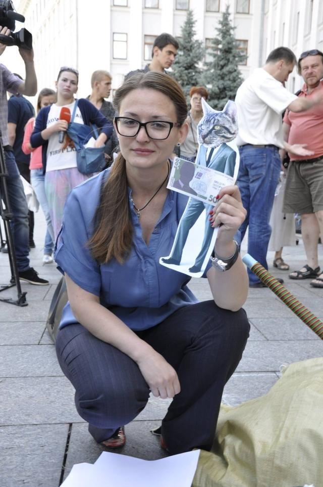 Президента призвали поддержать законодательство о перевыборах флешмобом [Фото]