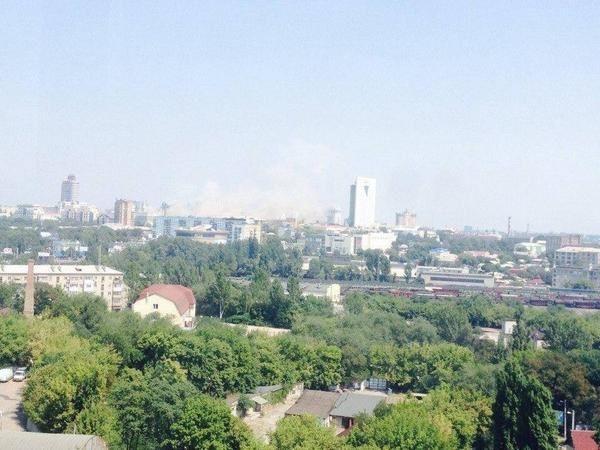 В центре Донецка повреждены два торговых центра [Фото, Видео]