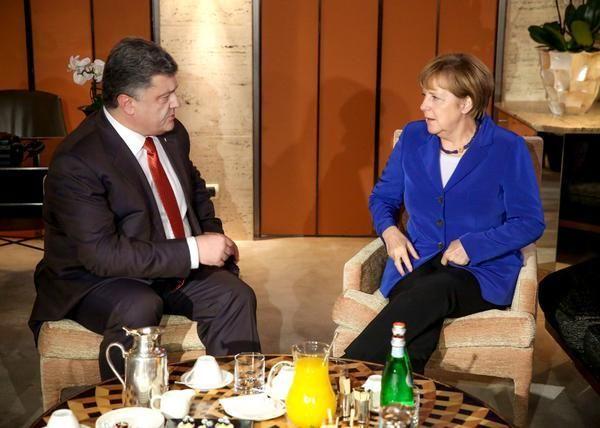 Порошенко в Милане проводит встречу с Меркель