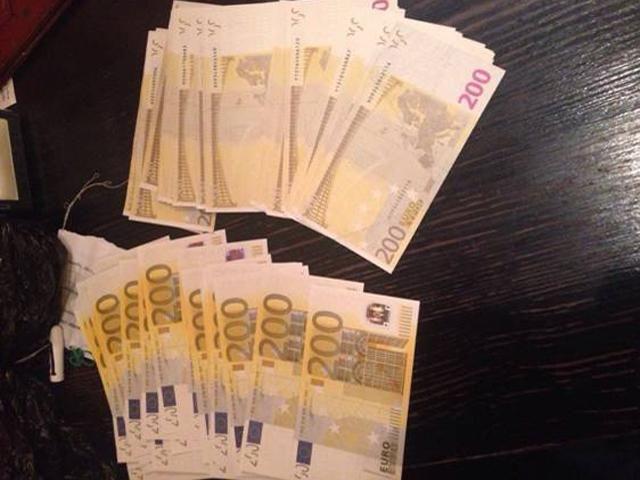В Украину завозили фальшивую валюту, которую невозможно распознать