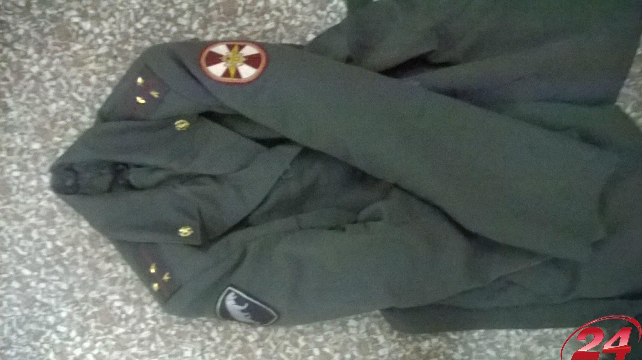 В Северодонецке обнаружили помещение с формами внутренних войск РФ [Фото]