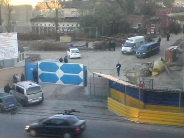В Днепропетровске упал кран: погибли четыре человека [Фото]