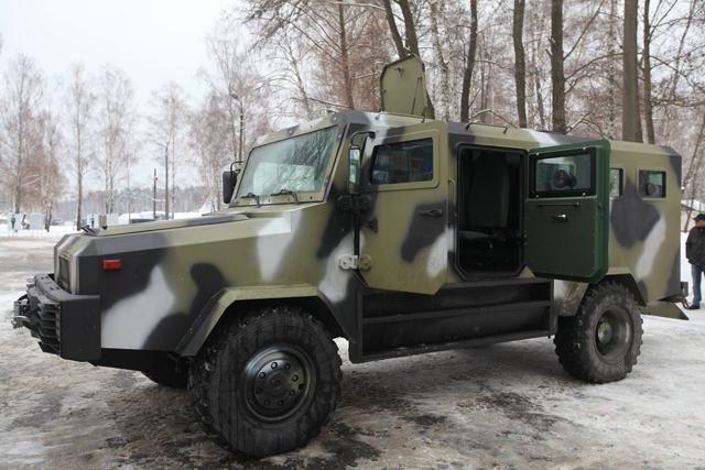 Под Киевом испытали новые украинские бронемашины, — Аваков [Фото]