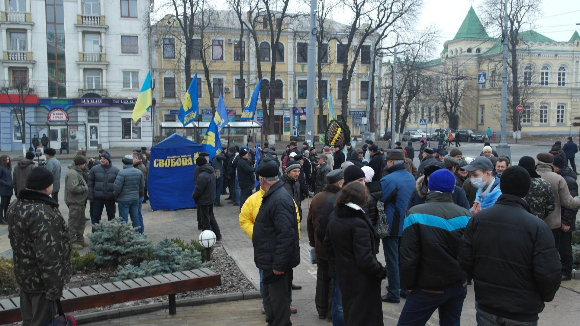 В Виннице народное вече, появились протестные палатки [Фото]