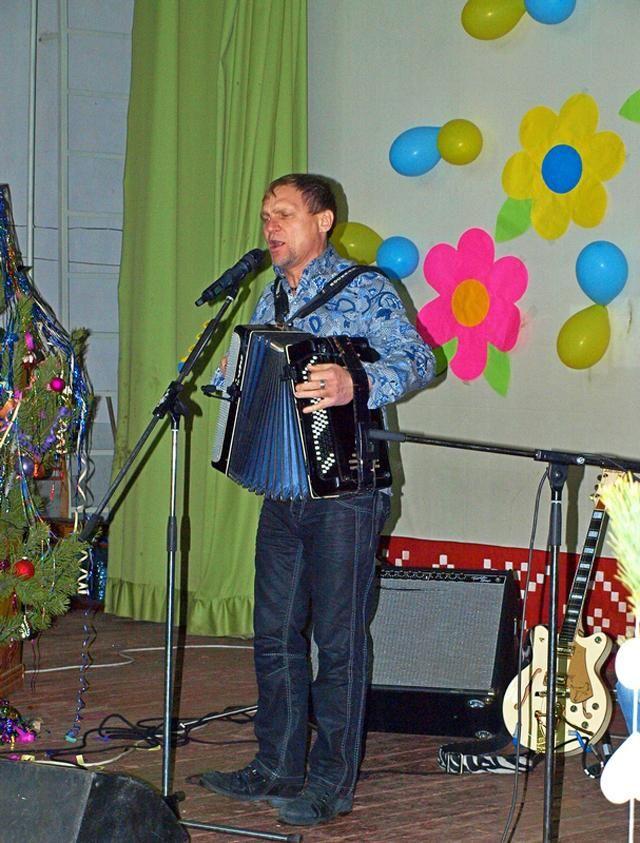 Олег Скрипка дал концерт для раненых бойцов
